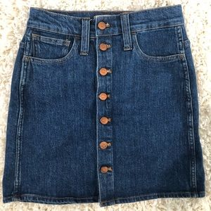 Madewell stretch A-line mini skirt w button front